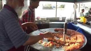 Krishna Pav Bhaji Stall, Lunsiqui, Navsari, Gujarat, India (vegetarian Indian Street Food).