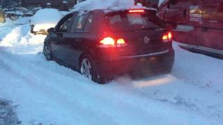 MK6 GTI ATTEMPTING TO GET OUT OF DEEP SNOW