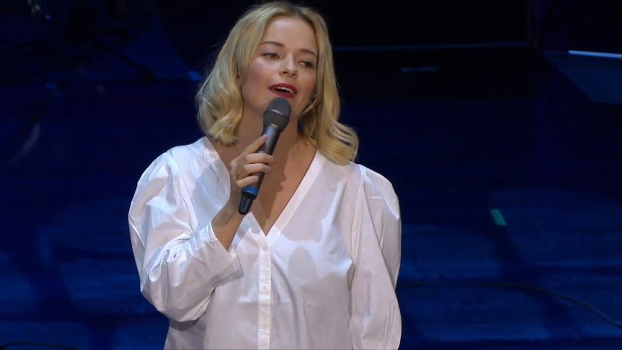 Behind the scenes: Petra Marklund - YouTube