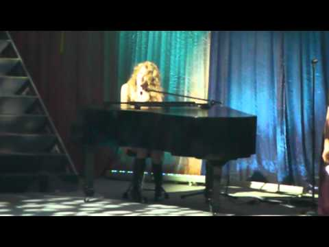 [HD] 02.19.2011 Taylor Swift Live in Manila-Back to December