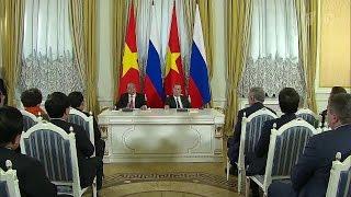 Россия и Вьетнам будут развивать торговлю в национальных валютах.