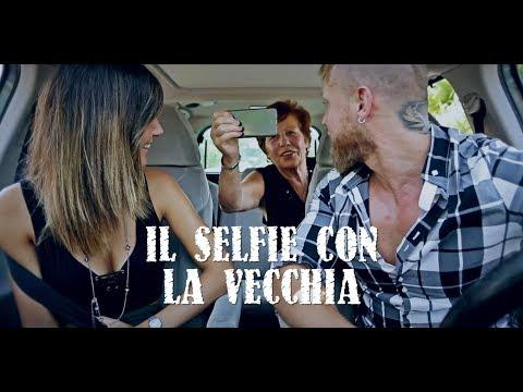 Takagi & Ketra - L'esercito del selfie ft. Lorenzo Fragola, Arisa  (parodia)