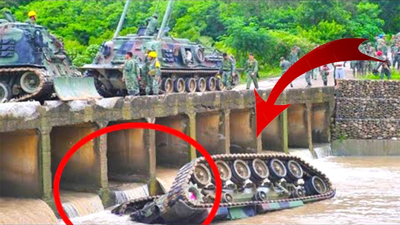 Top10 Tanks Stunts Fails Compilation ! Dangerous Tanks Being Loaded into Trucks for Shipment