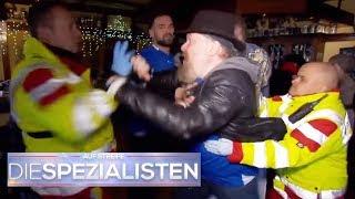 Notsituation in Kneipe: Hooligan geht auf Sanitäter los!   Oliver Dreier   Die Spezialisten   SAT.1