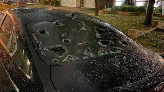 Разбитые вдребезги автомобили и пробитые крыши домов. Мощнейший град обрушился на Техас