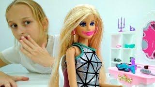 Игры #Барби: #лучшаяподружкаВаря делает макияж для Barbie! Игры куклы. Видео для девочек