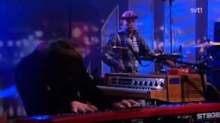TSOOL - When Lightning Bugs Arrive (Live Go'Kväll 2011)