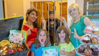 TREASURE HUNT with Elsa, Princess Elena and MALEFICENT! thumbnail