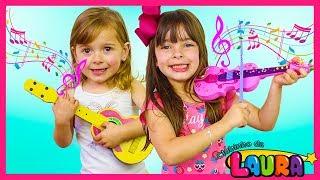 Laurinha & Helena Pretend Play w/ Guitar Music Toys & Sing Kids Songs Nursery Rhymes