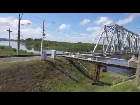 Вид из окна поезда - река Бирюса (Иркутская обл)