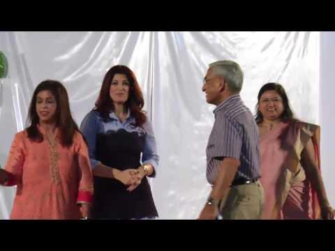 Twinkle Khanna Time Spend With Angel Xpress Foundation's Slum Kids | Latest News 2017