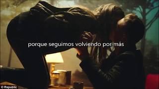 Hailee Steinfeld - Rock Bottom  [Letra Español]