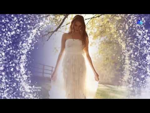 Клип Chris Spheeris - Walk With Me