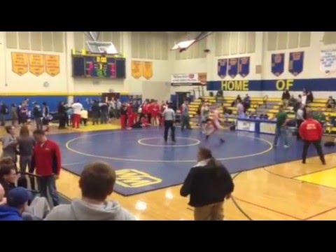 Sean Bright North Hills wining match West Mifflin tournament 2014