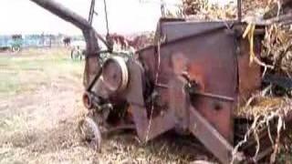 1940 New Idea husker-shreder