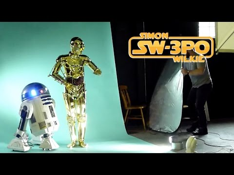 C-3PO and R2-D2 behind the scenes