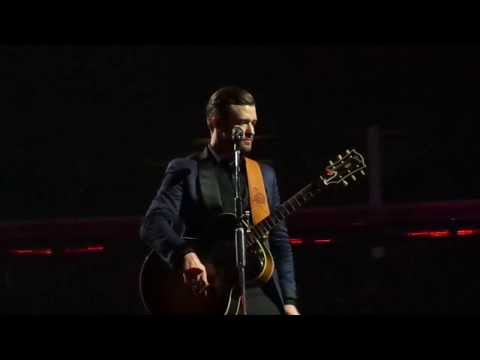Justin Timberlake - Heartbreak Hotel (Elvis cover at Honda Center 11/27/13)