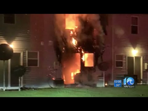 15 People Displaced After Fire Damages Townhomes In Chesapeake