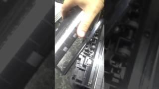 HP LaserJet Pro MFP M127fw зажевывает бумагу.замятие в верхнем сканере.что случилось с мфуремонт.