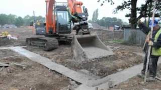 Steelwrist makes pouring concrete easy