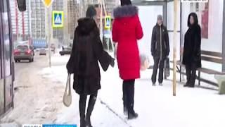 Пассажиры Октябрьского района жалуются на скользкие остановки