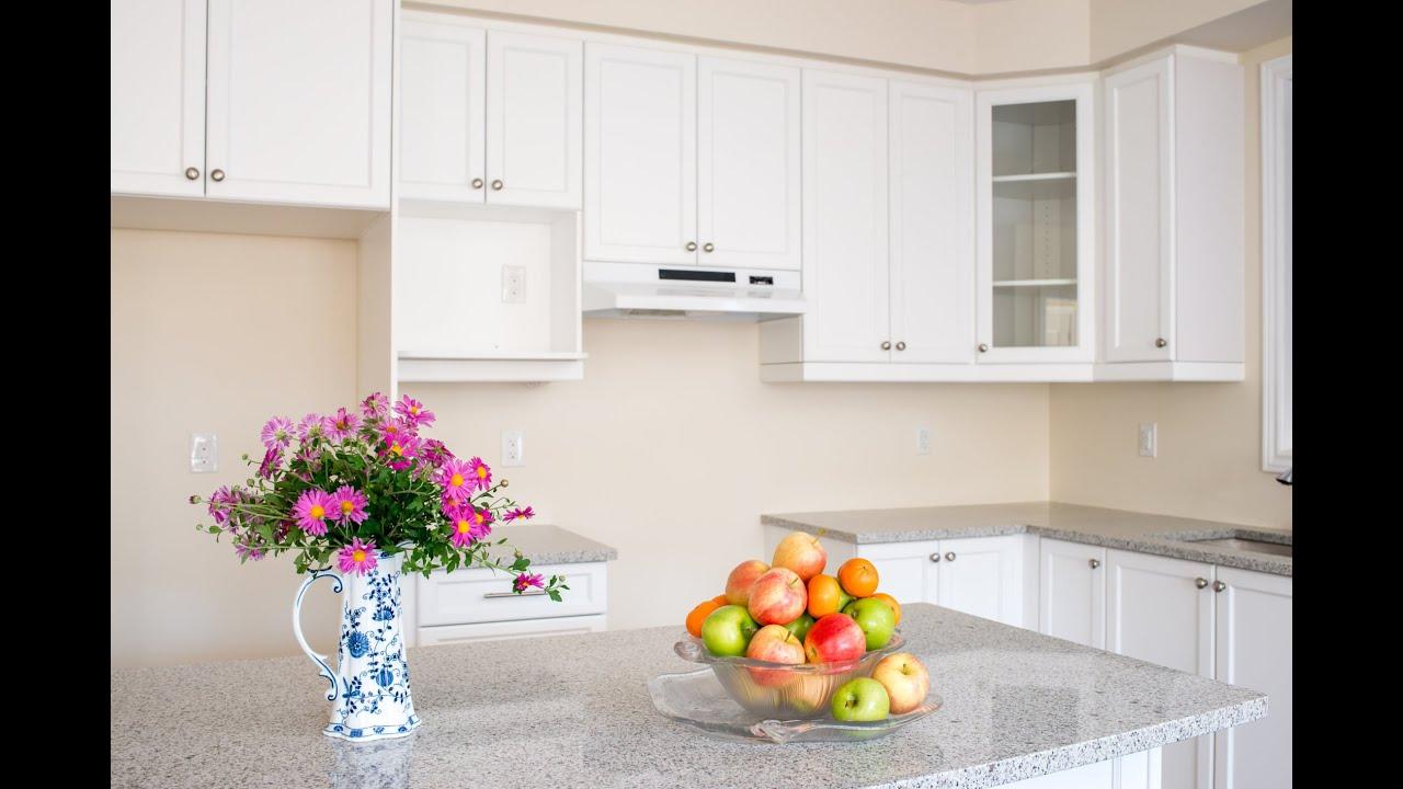Limpiar la grasa de los armarios de la cocina youtube for Como limpiar un mueble barnizado