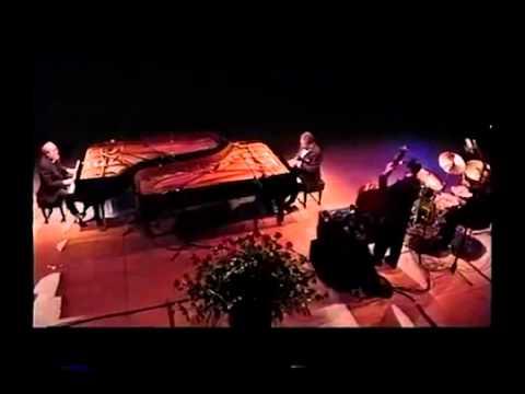 Gene Harris & Roger Kellaway  - Senor Blues/Splanky [HQ version]