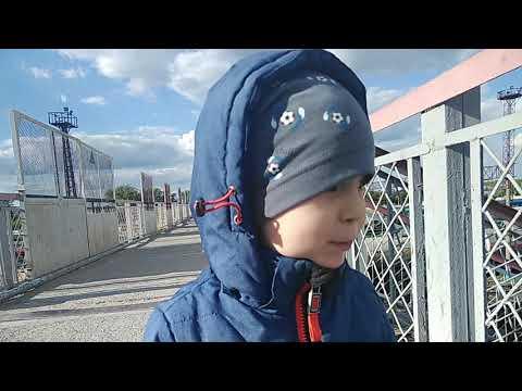 Дрезина и поезда на вокзале в Каменске-Уральском