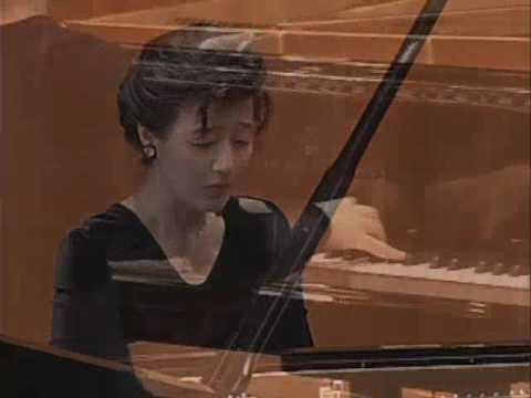 Pianist Hie-Yon Choi plays Beethoven Piano Sonata No.14 in c-sharp minor, 'Moonlight', Op.27/2