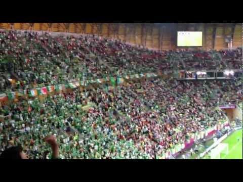 Fans Irlandeses . Himno de Irlanda minuto 92 (España 4 - 0 Irlanda)