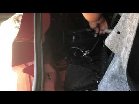 2014 Ford Fusion Energi 12volt battery replacement