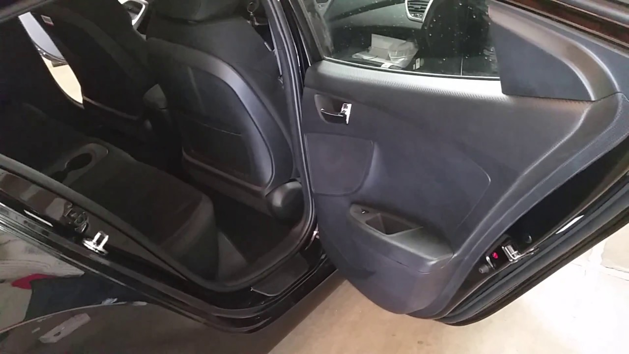 2017 Hyundai Veloster Quick Interior Tour Rear Seats