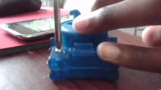 How to make Beyblades spin in left rotation