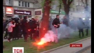 У Донецьку невідомі з битками напали на проукраїнських активістів