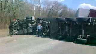 Truck Crash Compilation May 2015 / Truck Accident / Dash Cam Compilation May 2015