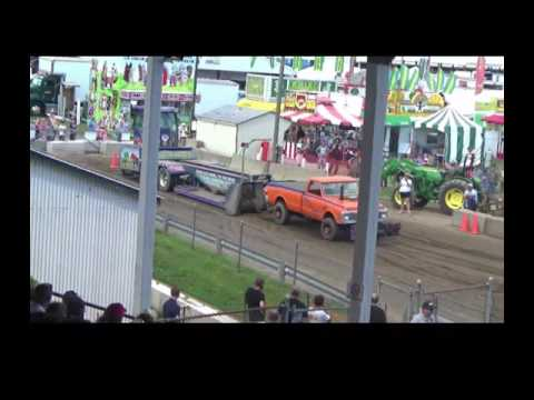 Saratoga County Fair truck pull
