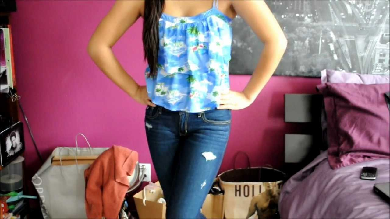 girls in hollister jeans