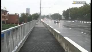 На тротуаре Северных мостов нарисовали плитку