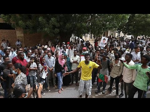 شاهد: تجمع لآلاف السودانيين المطالبين بتحقيق العدالة إزاء جرائم القتل المرتكبة بحق متظاهرين…