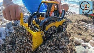Дети и игрушки. Машинки, песок и вода. МанкиТайм