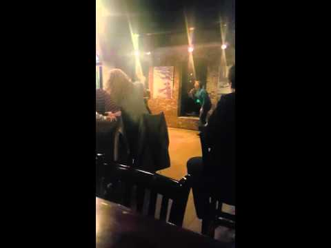 Guy absolutely kills 'Thunderstruck' karaoke in Maine
