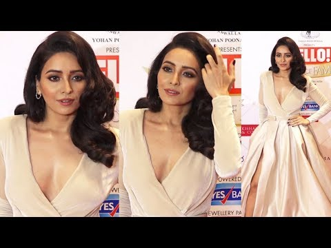 Asha Negi B0LD Look After Breakup At HELLO Hall Of Fame Awards 2019