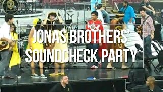 Jonas Brothers' Souncheck Party (Musical Chairs) - August 4, 2009