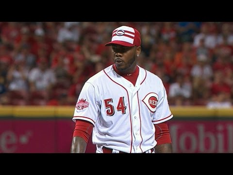 2015 ASG: Chapman uses 100+ mph pitches to fan side