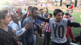أطفال «أبو النمرس» يطاردون إبراهيم سعيد والميرغني لالتقاط السيلفي بعد المباراة