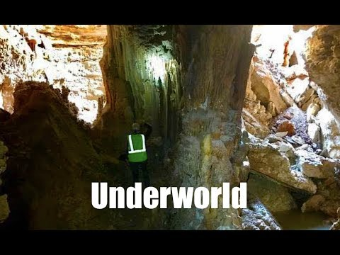 Small sinkhole reveals large cavern in Round Rock, Tx - Really cool!