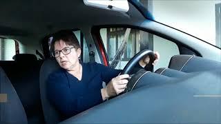 Prova do Detran: na baliza o retrovisor