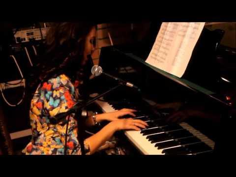 Клип Марина Цветаева - Я словно бабочка к огню