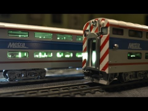 KATO Bi-Level Chicago Metra Coach and Cab Coach Unboxing/Overview