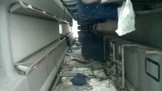 Опрокинувшийся автобус изнутри